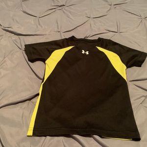 UNDER ARMOUR Boy's Yellow Short Sleeve Shirt. 4